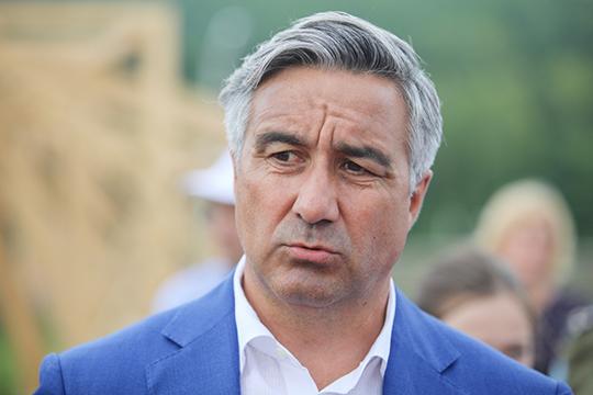 Идею «коммерческого переименования» предложил еще вдалеком 2011 году бывший втовремя мэром Набережных ЧелновВасиль Шайхразиев