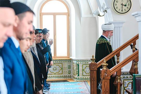 «В мечети приходит всё больше и больше людей. Из года в год их число увеличивается»