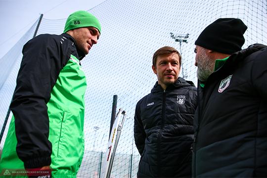 Кузьмин стал для «Рубина» находкой — в клубе не ожидали, что Олег так легко вольется в роль тренера. Он отвечает за стандарты и работает с защитниками