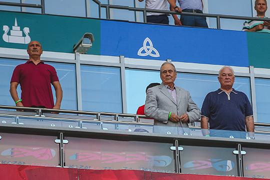 Решение об отставке Бердыева принимали Альберт Шигабутдинов и Радик Шаймиев (слева). За тренера вступился Минтимер Шаймиев (в центре), но попечители остались при своём решении