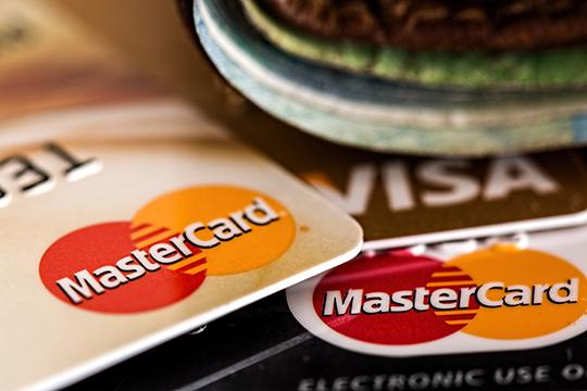 Предполагается, что через полгода после принятия поправок, все мировые платежные системы не смогут своей волей ограничивать платежи по картам, выпущенным банком, находящимся под санкциями