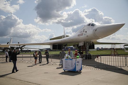 В разделе советских легенд неизменной популярностью пользовался Ту-160