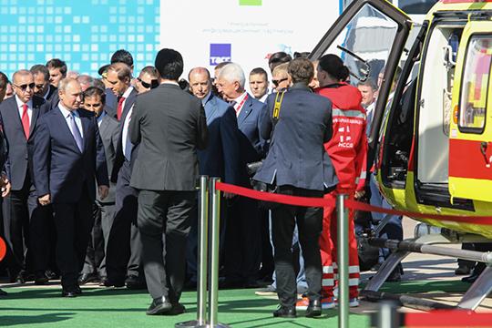 Эрдогана кажется, куда больше заинтересовал другой «Ансат» — тот, что красовался на стенде КРЭТ в ливрее Национальной службы санитарной авиации