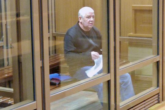 В Верховном суде РТ стартовал процесс о стрельбе в центре Казани. На скамье подсудимых 56-летний Ринат Раимджанов, по некоторым данным, один из предполагаемых участников ОПГ «Тукаевские»