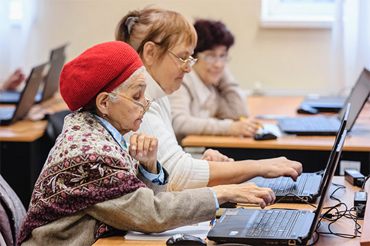 Еще одна примета «макушки осени»— декада пожилых людей