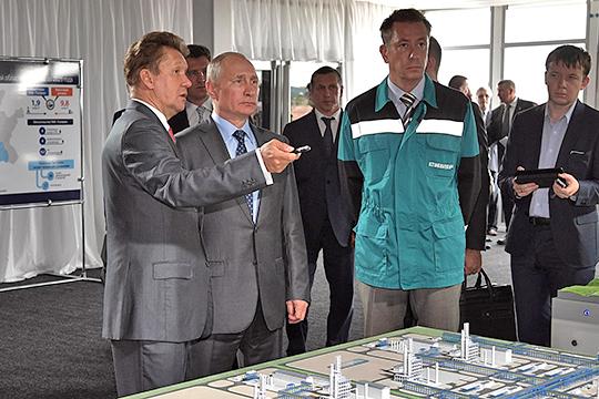 """Председатель правления «Сибур холдинга» Дмитрий Конов (второй справа): «По Татарстану мы вместе с """"Газпромом"""" примем решение, движемся или нет. Его (ГПЗ) в принципе вообще может и не быть даже…»"""