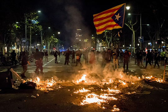 «Может случиться полная дезинтеграция»: кчему приведут полумиллионные митинги вКаталонии?