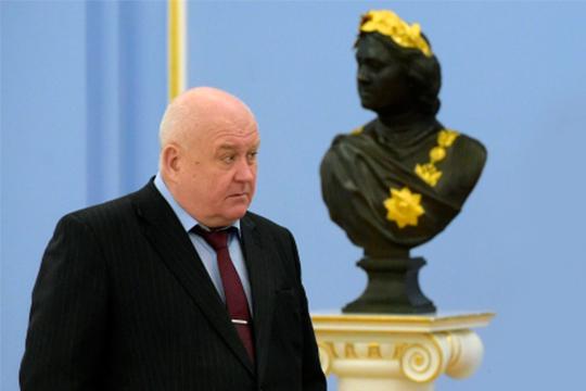 Игорь Боровков слезно выпросил у премьера оставить его на службе хотя бы еще на год, рассчитывая за это время зачистить хвосты и обезопасить семейный бизнес