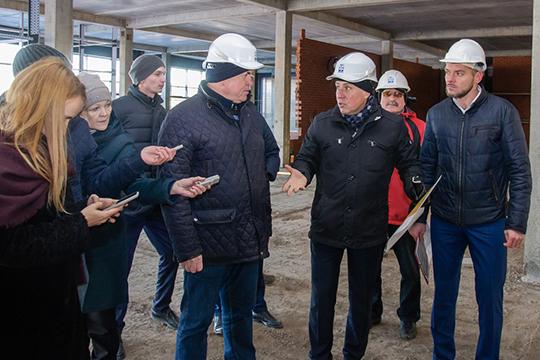 Наиль Магдеев проверил, как ведется строительство объектов, на которые выделено 4 млрд рублей