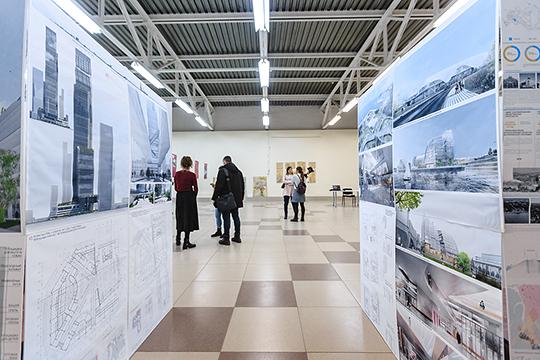 Выставка, открытая в рамках фестиваля JadidFest расположилась в ТЦ «Меховой квартал», на первом этаже которого до революции располагался мыловаренный завод, а после — красильный цех меховой фабрики