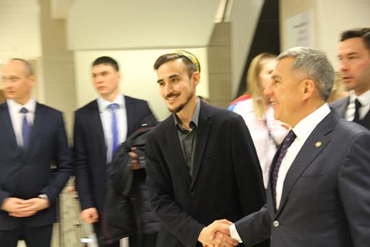 «Хочу еще больше постичь душу татарского народа, чтобы стать глубоким исильным художником. Планирую всеми силами популяризировать татарскую культуру намировой арене»