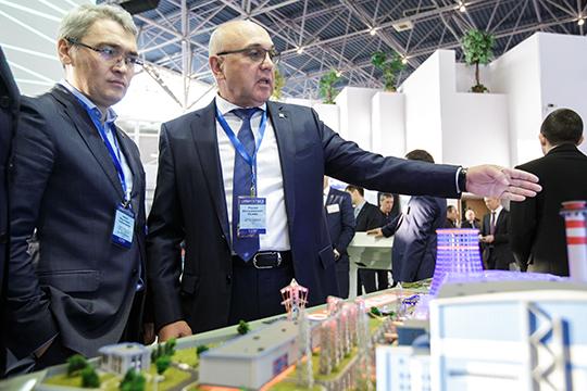 «Считаю, что решение о предоставлении ТГК-16 прибыли направлено не против Татэнерго, оно направлено против потребителей, против населения», — отметил Айрат Сабирзанов (справа)