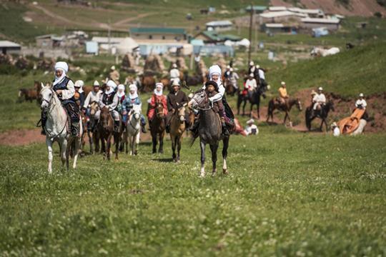«Монгольская империя завершила историю великих кочевых держав. Она довела досовершенства механизм объединения кочевников»