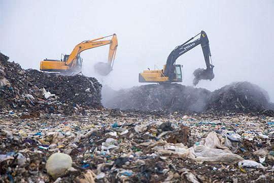 «Если внимательно посмотреть с высоты птичьего полета — вокруг Казани одни кладбища и мусорные полигоны. Более 40 кладбищ и около 10 объектов размещения отходов. Поэтому на самом деле нужно искать другие способы организации и обезвреживания отходов»