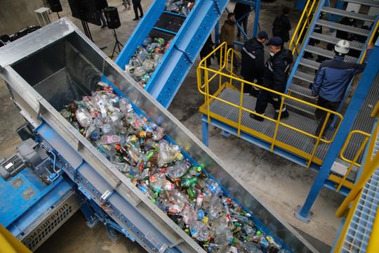 «К сожалению, сегодня сортировка отходов прибыли не приносит. И причем чем глубже мы сортируем, тем дороже этот процесс!»