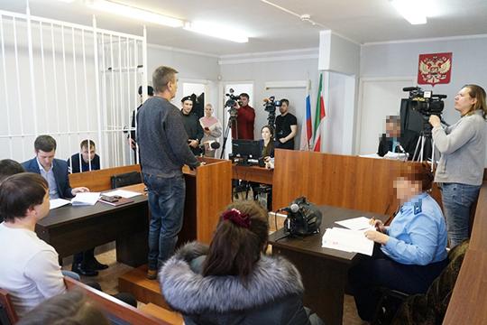 «Я в шоке от количества камер», — перед началом заседания удивлялся судья Сергей Некрасов