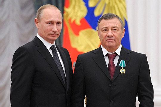 Четвертое место с результатом 1,47 млрд рублей неожиданно заняло столичное ПАО «Мостотрест».Компания сообщила, что на 94,2% принадлежитАркадию Ротенбергу,известному как другВладимира Путинаего и партнер по дзюдо