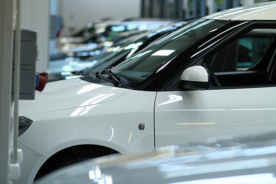 Торгующее легковыми автомобилями ООО«Автоцентр «Интер»(5)напаритетных началах контролируютИгорь ДашукиМагсум Загиров