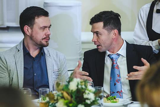 ПСБ-2контролируютШамиль Булушевиего сынТимур (справа), ставший победителем конкурса«Предприниматель года. Золотая сотня-2017» вноминации «экспортер»