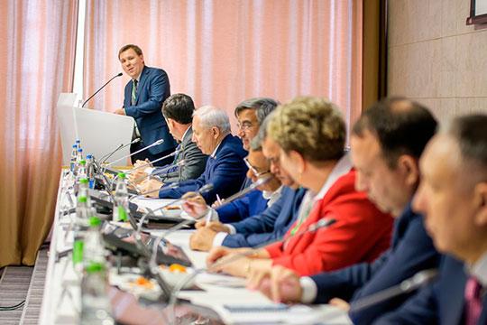 Напленарном заседании XIII форума «Деловые партнеры Татарстана» делегаты изрегионов выступили как спросьбами, так испредложениями собственной помощи