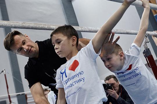 Алексей Немов: «Мывсе обсуждаем через Минниханова. Только онможет все решить»