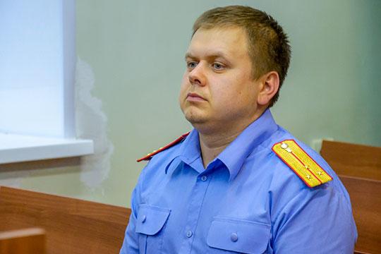 В доме Харитонова провели обыск, самого бывшего муниципального чиновника доставили на допрос к следователю по особо важным делам Станиславу Хораськину