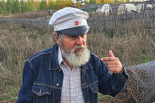 Активно выдвигали впретенденты наТаркаевскую премию ибывшего фермера, ныне главу личного подсобного хозяйства вШеланге Верхнеуслонского районаМурата Сиразина