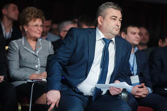 Александр Расческоввнес огромный вклад вразвитие офтальмологии нетолько внашей республике, ноивмире