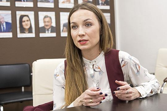 Алена Белоглазова— глава знаменитого КФХ,смело боретсязато, чтобы наше село и, вчастности, молочная отрасль, развивались ииспытывали меньше проблем