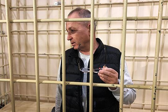 «Кому-то мешаю я…»: Рашиду Аитову дали оглушительные 11 лет колонии