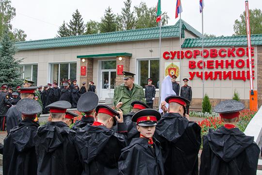 Суворовцы уже отчаялись переехать изказарменных помещений вчетырехместные комнаты сперсональными санузлами
