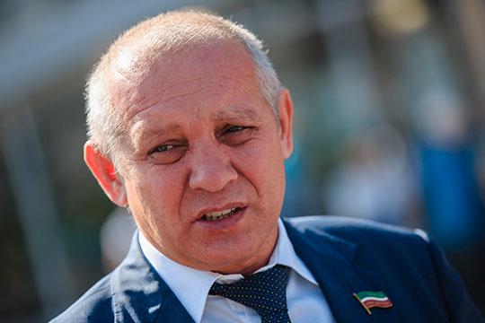 Асфан Галявов: «Для нас было бы желательно каждый год повышать проезд в общественном транспорте, не надо на 2-3 рубля, хотя бы на рубль»