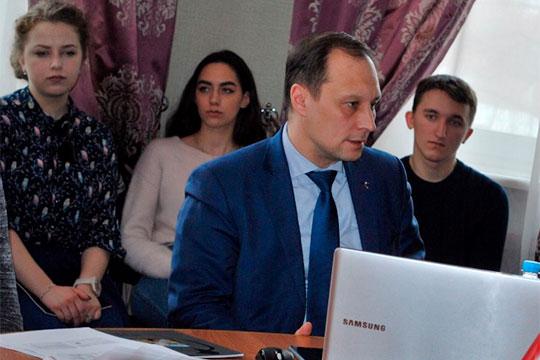 О готовности посодействовать минмолодежи в разработке концепции поддержки студентов заявил и ректор КНИТУ-КХТИ Сергей Юшко