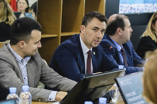 Дамир Фаттахов: «Мысовместно определим итоговый бюджет, который необходим для удовлетворения потребностей именно нуждающихся втранспортном гранте»