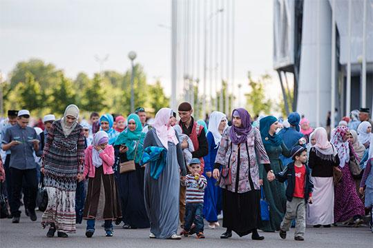 «Во всем мире живут татары — в Германии, в Финляндии, в Таиланде, и как для них придумать единую стратегию, а главное — как ее осуществлять в разных странах? Я не понимаю»