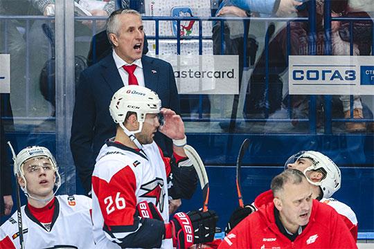 Хартли в 2001 году выигрывал Кубок Стэнли с «Колорадо», в 2015-м становился лучшим тренером сезона в НХЛ, но в КХЛ у него пока не все складывается удачно