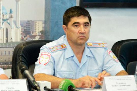 Отец Рамиля Гизетдинова—Ильфак Гизетдинов, замначальника полиции Казанского линейного управления МВД РФнатранспорте
