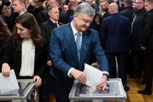 В избирательном штабе Петра Порошенко надеются, что ресурс Зеленского был полностью исчерпан в первом туре