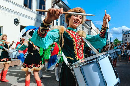 «8 — 11 августа пройдет фестиваль, на который даже туристы уже специально приезжают, это фестиваль военных оркестров «Фанфары Казани»