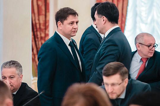 Илья Вольфсонв2018 году увеличил свой заработок до263,8млн рублей.Впояснительной записке сказано, что основной прирост произошел засчет продажи нескольких жилых помещений иземельных участков