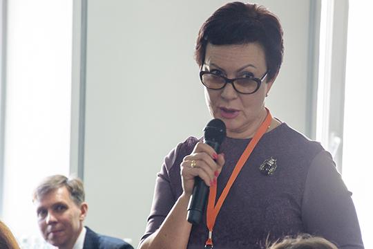 Елена Машкова:«Ялично множество людей знаю, которые работают на18-20 тысяч рублей. Это выживание! Это те, кто несмогли отсюда слинять. Расслоение вобществе колоссальное подоходам»
