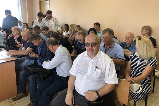 «Просто зачитал обвинительное заключение, не представил доказательств», — так реагировали на выступление прокурора адвокаты Халиуллина Павел Мазуренко и Денис Егоров