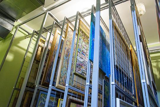 Коллекция насчитывает 612 произведений основного фонда и327 произведений научно-вспомогательного фонда