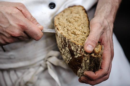 Еслиже обратить внимание наосновное конкурентное поле нижнекамского комбината, товЗакамье его главным соперником остается «Челны-Хлеб»Рафаэля иЭдуарда Юнусовых