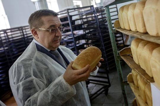 Ильдар Никифоровохарактеризовал комбинат какхороший, сославными традициями, однако время для подобных вложений считает несамым удачным