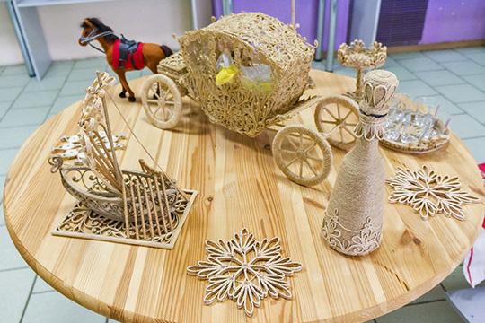 «Унас есть валяние изшерсти, ткачество, роспись поткани, кружевоплетение накоклюшках, резьба подереву, керамика, печворк, изделия изкожи, художественная обработка металлов, традиционная национальная одежда, куклы вразличной технике»