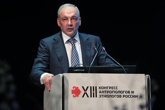 Магомедсалам Магомедовпохвалил Татарстан, который напротяжении многих лет «является одним излидеров, как всоциально-экономическом развитии, так ивстабильности общественно-политических процессов»