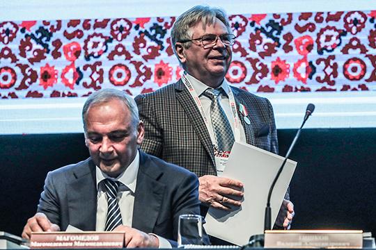 Валерий Тишков напомнил, как проходил в1993 году первый конгресс, когда «80 человек собрались врязанской лагуне икормили комаров»