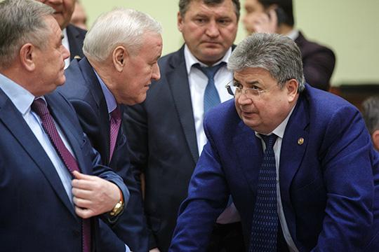 Бегут с корабля: Геннадий Емельянов провожает седьмого по счету сити-менеджера