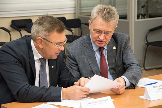 Как рассказал Рафик Шайхудинов (справа), первоначально планировалось отправить письма президенту РТ Рустаму Минниханову, однако впоследствии от этой идеи отказались